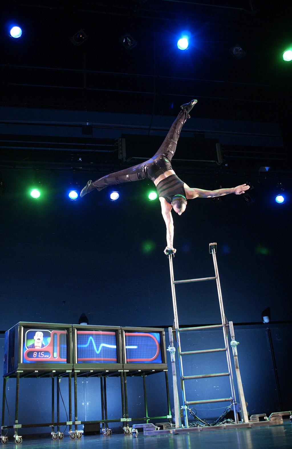 handstand (13)
