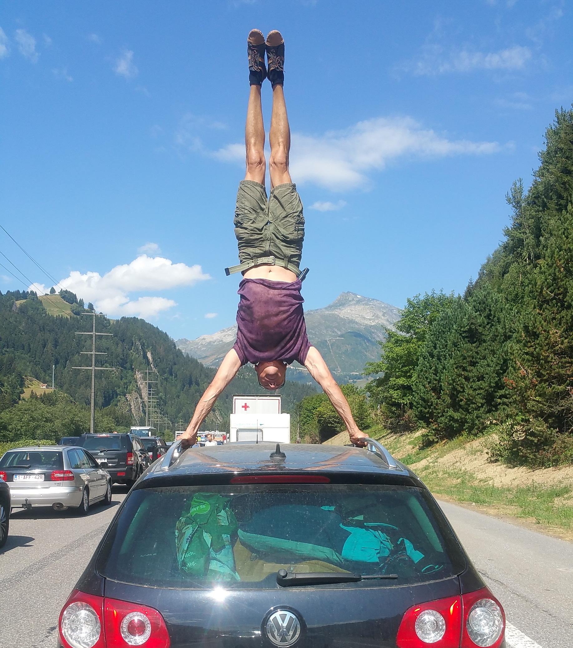 handstand-academy (1)