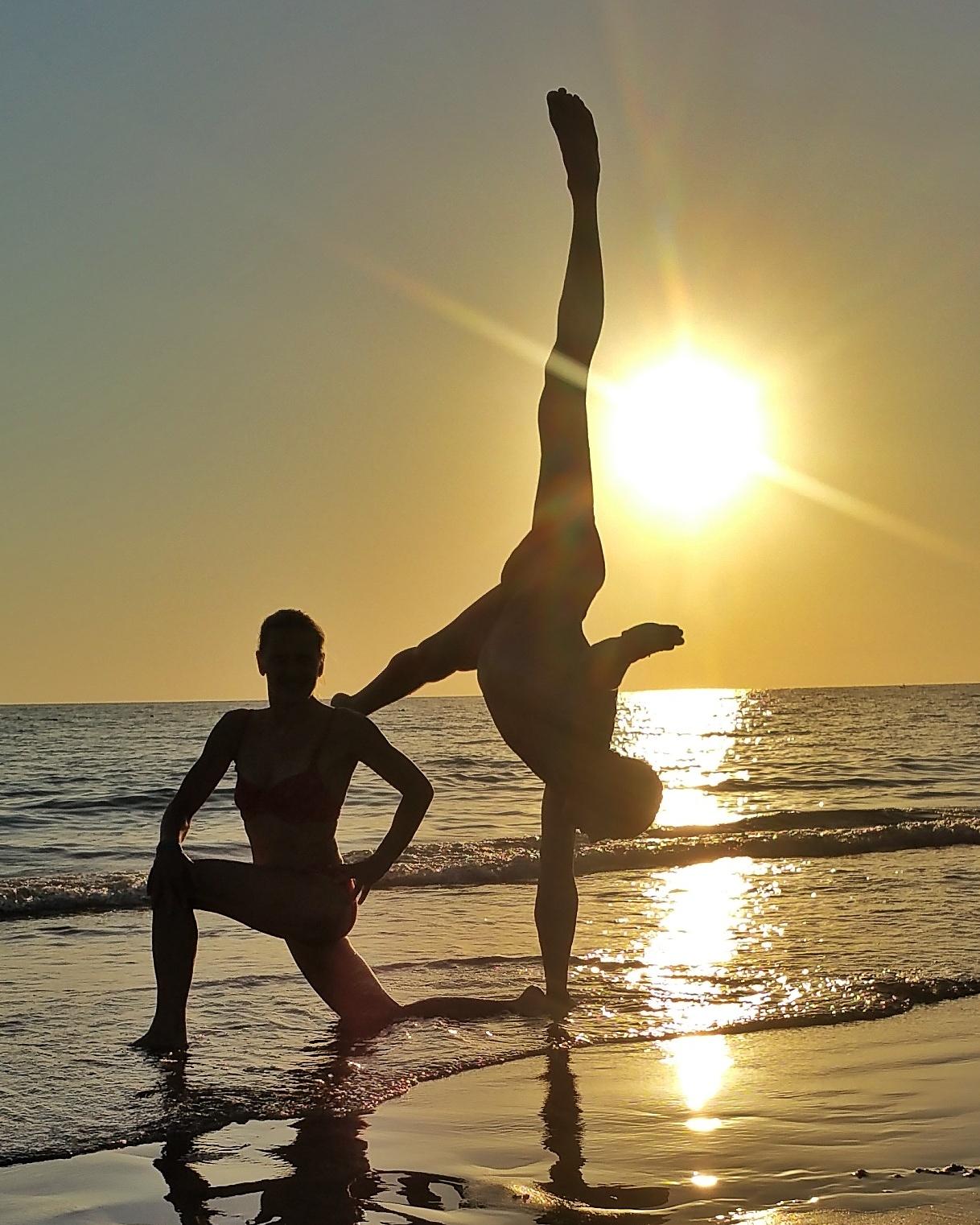 handstand-academy (2)