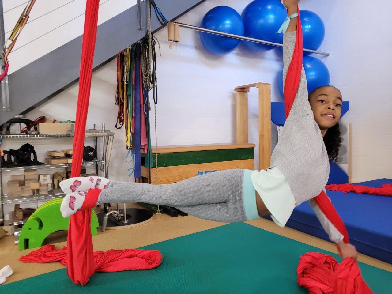 Kinderzirkus Kinderakrobatik Ferienkurs Loft am Bach Dietlikon Zürich